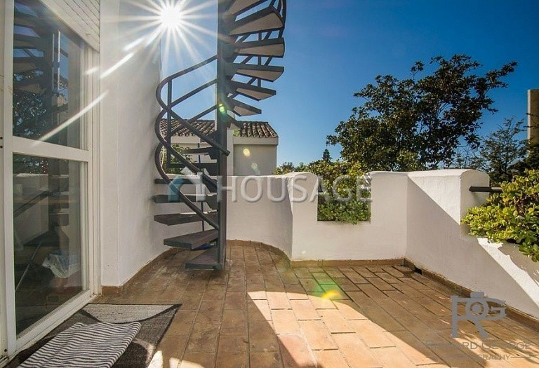 Villa for sale in Atalaya, Estepona, Spain, 300 m² - photo 13