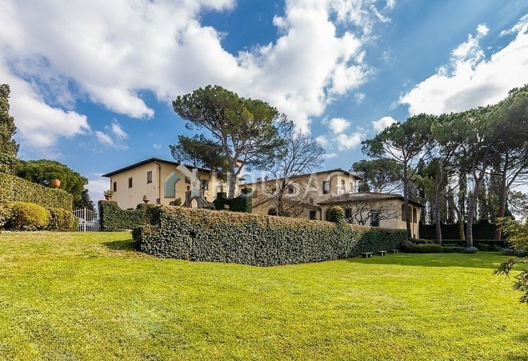 9 bed villa for sale in Florence, Italy, 2800 m² - photo 67