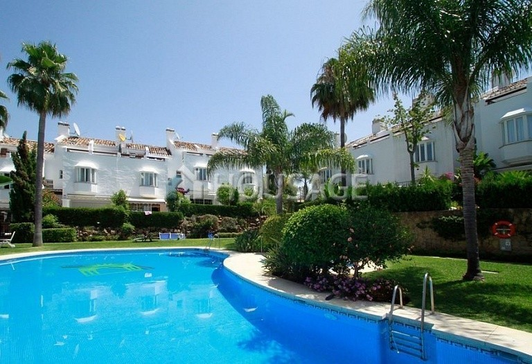 Townhouse for sale in Marbella Golden Mile, Marbella, Spain, 377 m² - photo 1