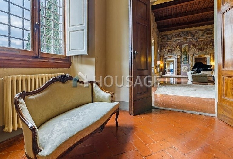 9 bed villa for sale in Florence, Italy, 2800 m² - photo 23