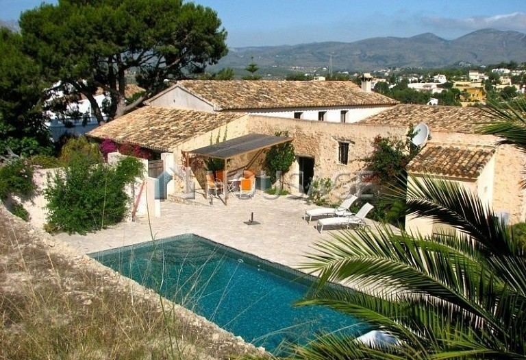 4 bed house for sale in Calpe, Spain, 600 m² - photo 2