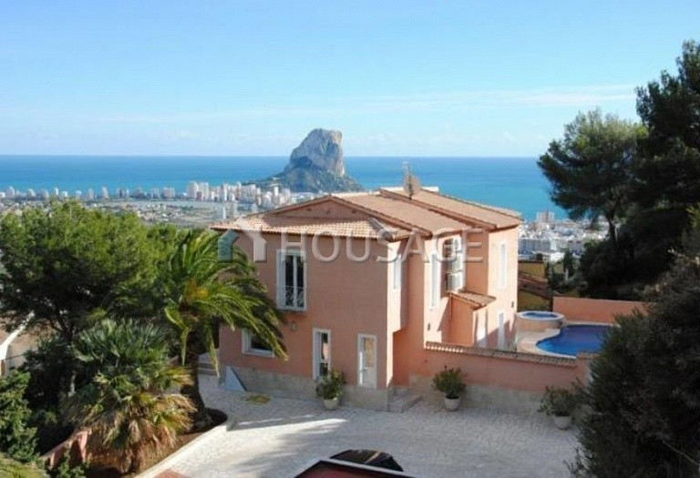 3 bed villa for sale in Calpe, Calpe, Spain, 280 m² - photo 1