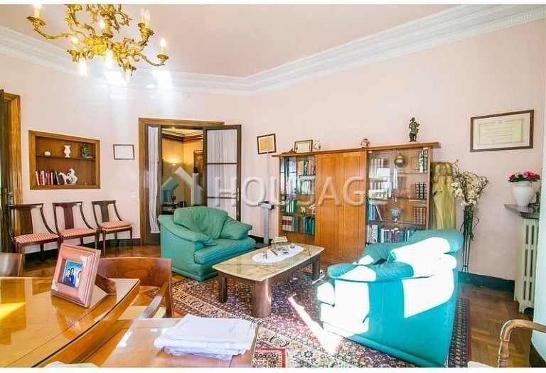 10 bed flat for sale in Barcelona, Spain, 425 m² - photo 14