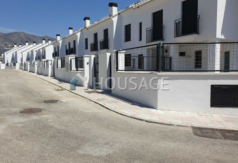3 bed townhouse for sale in Fuengirola, Spain, 157 m² - photo 1
