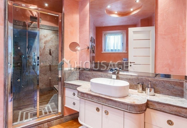 6 bed villa for sale in Forte dei Marmi, Italy, 560 m² - photo 40