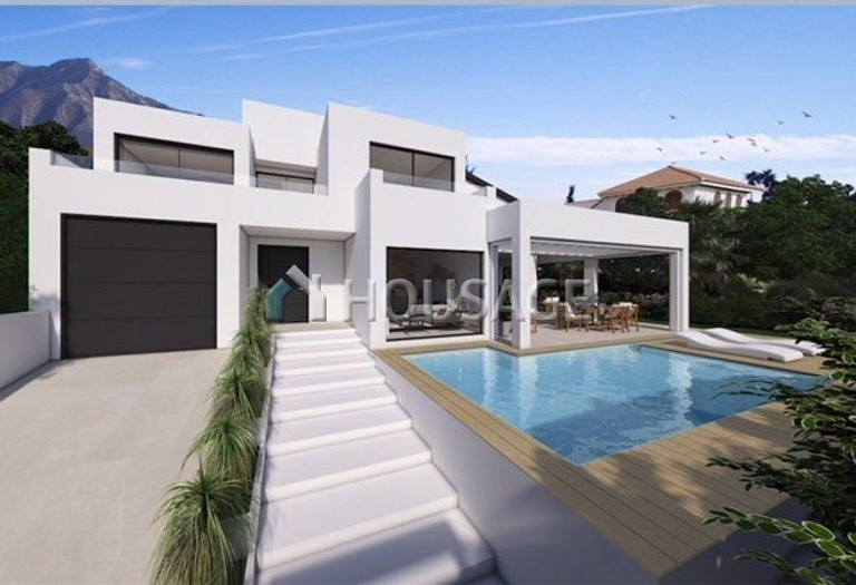 4 bed villa for sale in Marbella, Spain, 400 m² - photo 2