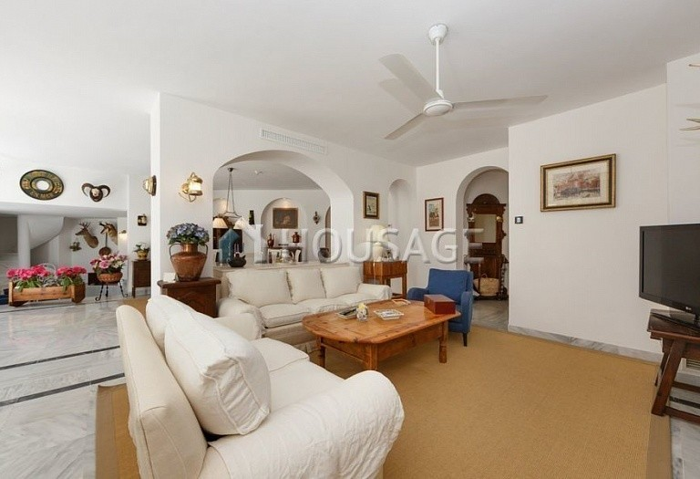 Apartment for sale in Marbella, Spain, 366 m² - photo 2
