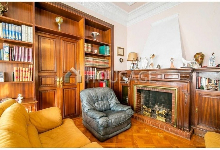 10 bed flat for sale in Barcelona, Spain, 425 m² - photo 11