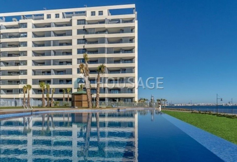 3 bed flat for sale in Torrevieja, Spain, 97 m² - photo 1