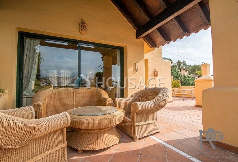 Flat for sale in Atalaya, Estepona, Spain, 300 m² - photo 17