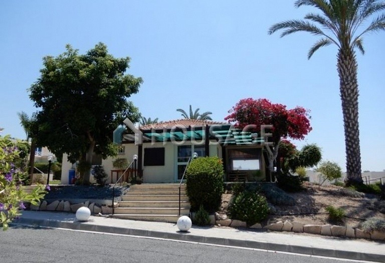 Commercial property for sale in Coral Bay, Pafos, Cyprus - photo 4