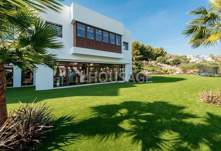 Villa for sale in El Paraiso Alto, Benahavis, Spain, 1250 m² - photo 19