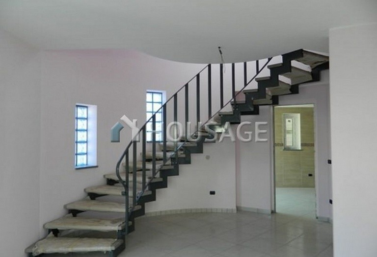 3 bed townhouse for sale in Anzio, Italy, 115 m² - photo 6