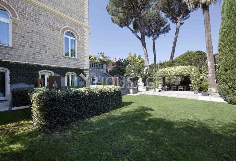 3 bed flat for sale in Rome, Italy, 550 m² - photo 3