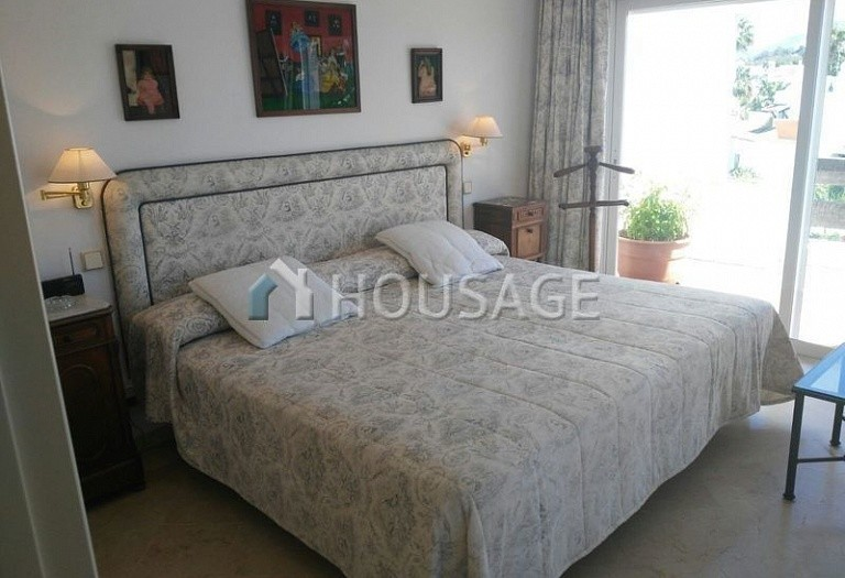 Apartment for sale in Cancelada, Estepona, Spain, 248 m² - photo 4