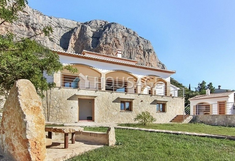 7 bed villa for sale in Javea, Spain, 448 m² - photo 2