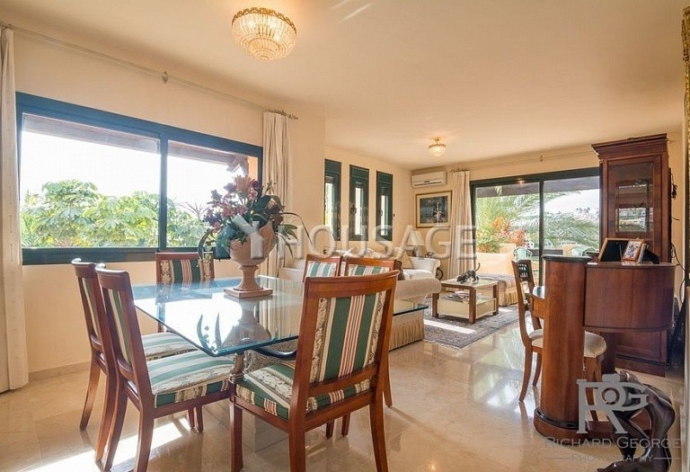 Flat for sale in Atalaya, Estepona, Spain, 300 m² - photo 8