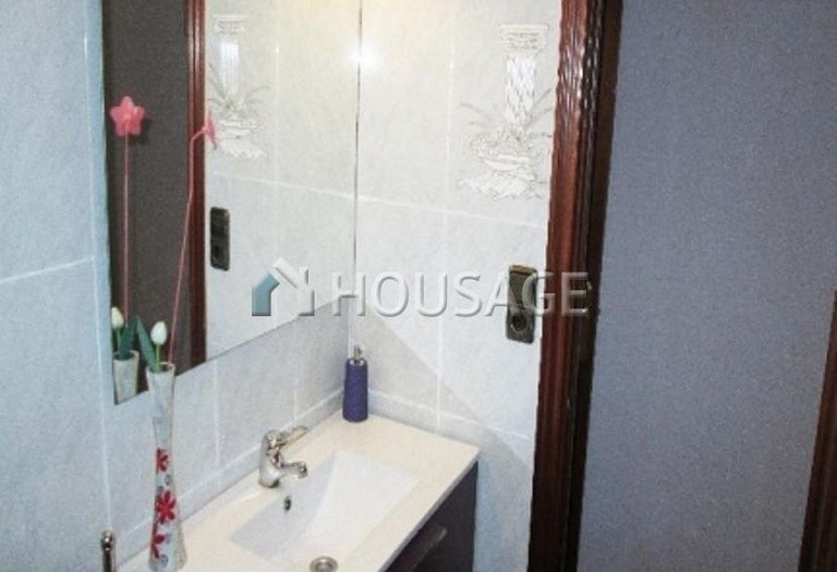 4 bed flat for sale in Hospitalet, Spain, 97 m² - photo 8