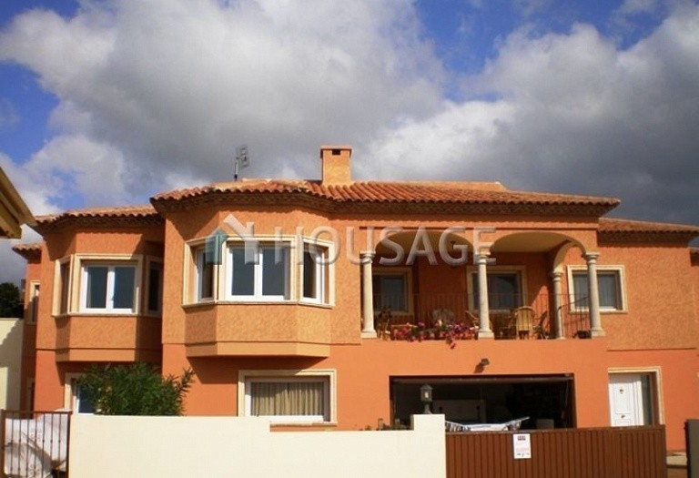 6 bed villa for sale in La Nucia, Spain, 350 m² - photo 2
