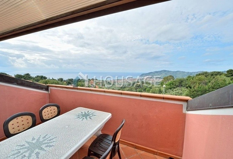 6 bed villa for sale in Diano Marina, Italy, 350 m² - photo 9