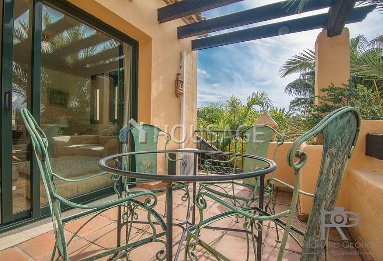 Flat for sale in Atalaya, Estepona, Spain, 300 m² - photo 15