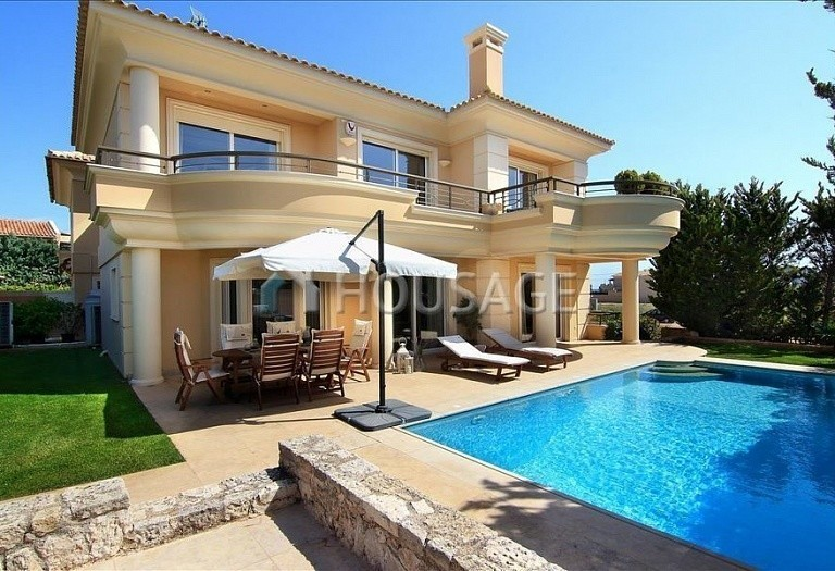 3 bed villa for sale in Varkiza, Athens, Greece, 360 m² - photo 1