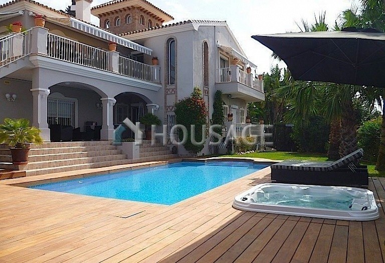 Villa for sale in El Rosario, Marbella, Spain, 311 m² - photo 15