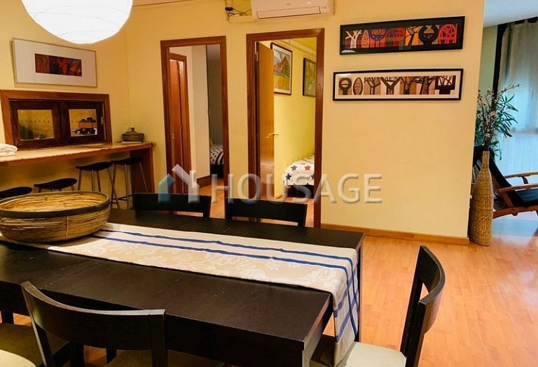 3 bed flat for sale in Eixample, Barcelona, Spain, 100 m² - photo 2