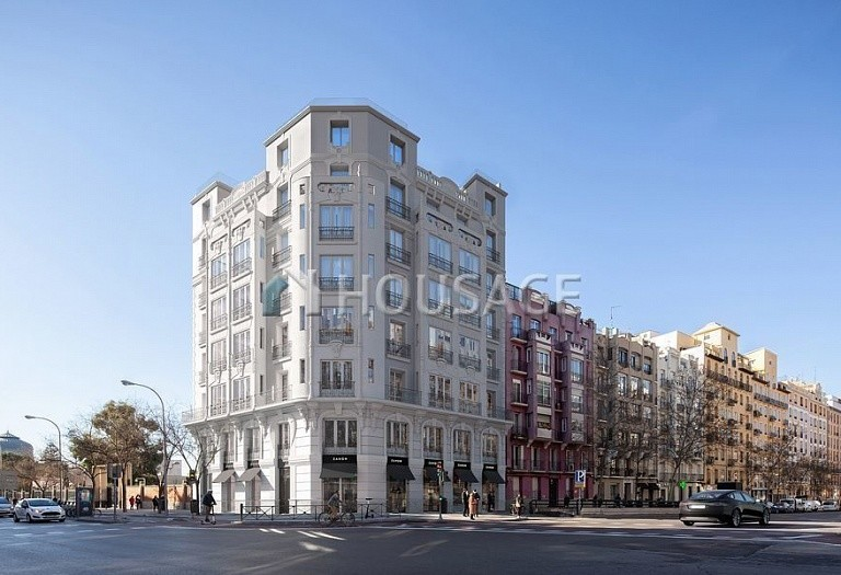 3 bed flat for sale in Madrid, Spain, 119 m² - photo 1
