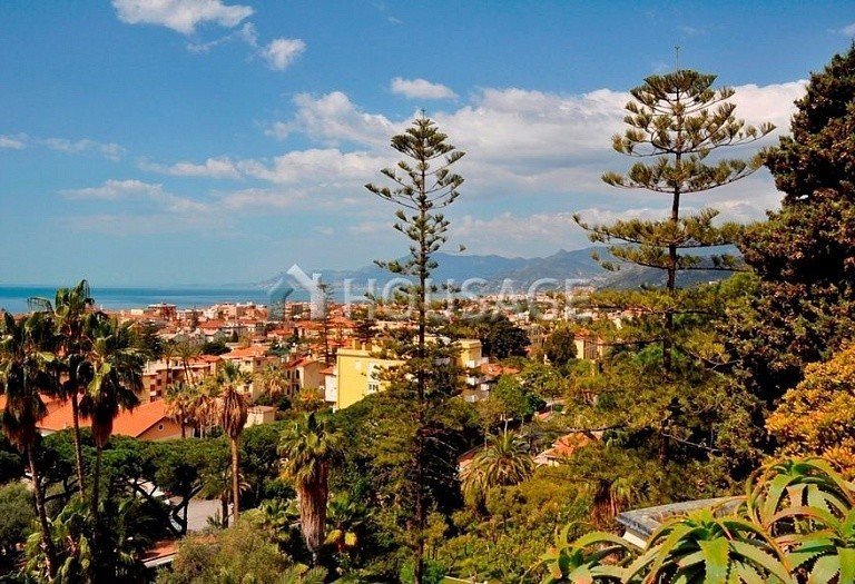 3 bed flat for sale in Bordighera, Italy, 205 m² - photo 28