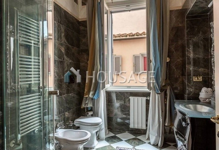 3 bed flat for sale in Rome, Italy, 200 m² - photo 9