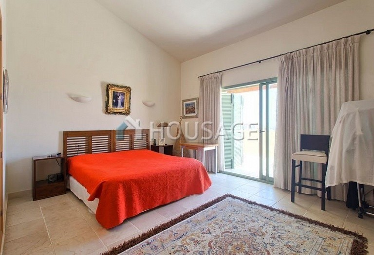Flat for sale in Los Flamingos, Benahavis, Spain, 300 m² - photo 5