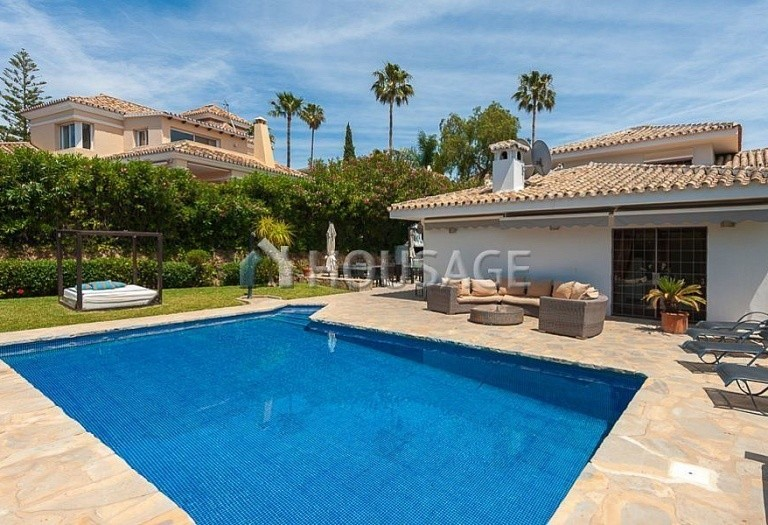 Villa for sale in El Rosario, Marbella, Spain, 246 m² - photo 10