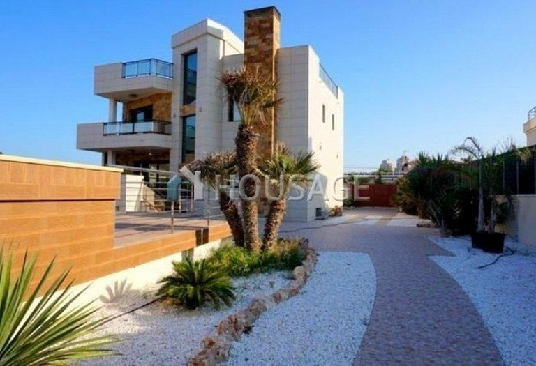 3 bed villa for sale in Torrevieja, Spain - photo 6