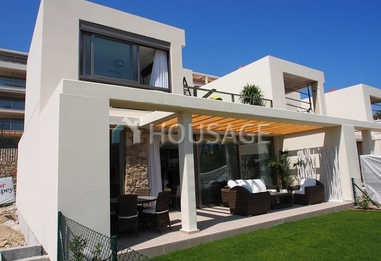 3 bed townhouse for sale in Benidorm, Spain, 250 m² - photo 1
