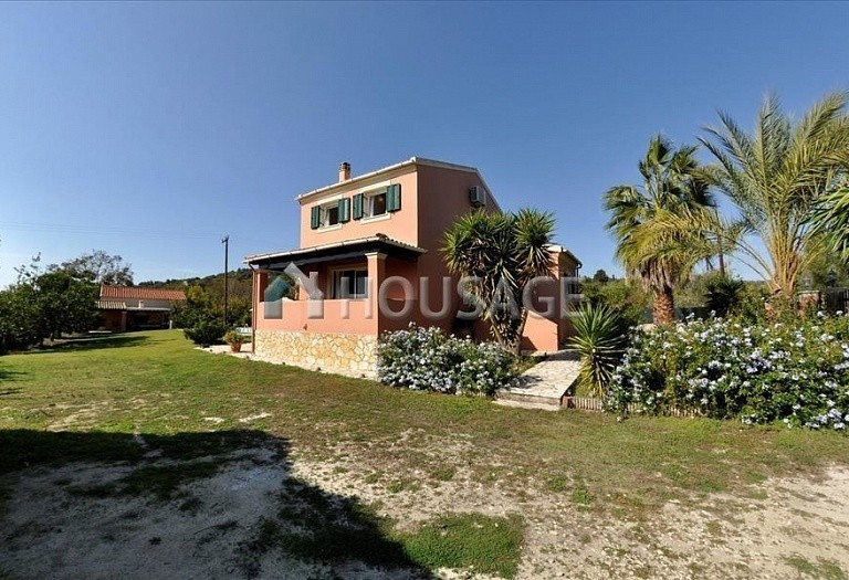 4 bed villa for sale in Ag. Georgios Pagon, Kerkira, Greece, 140 m² - photo 2