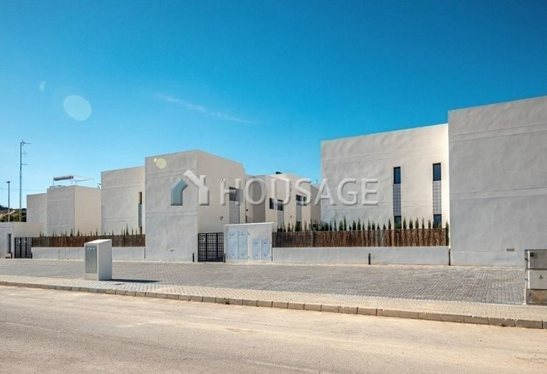 3 bed townhouse for sale in San Miguel de Salinas, Spain, 86 m² - photo 1