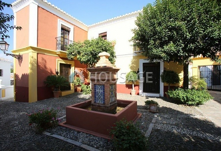 Townhouse for sale in Marbella Golden Mile, Marbella, Spain, 90 m² - photo 12