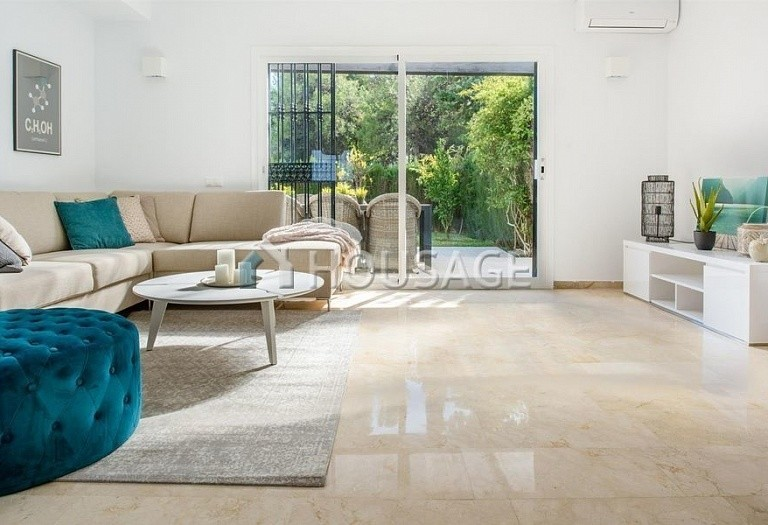Townhouse for sale in Nueva Andalucia, Marbella, Spain, 392 m² - photo 6