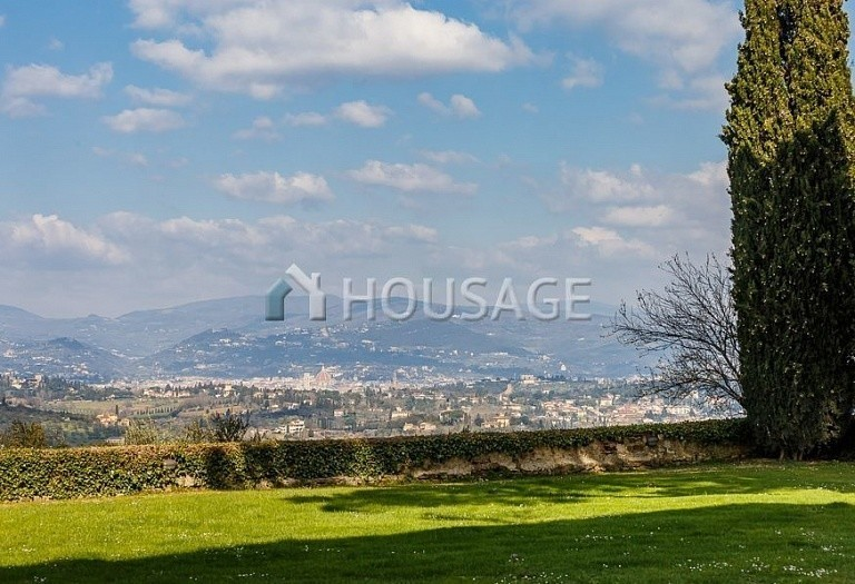 9 bed villa for sale in Florence, Italy, 2800 m² - photo 69