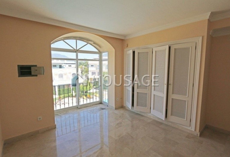 Flat for sale in Nueva Andalucia, Marbella, Spain, 157 m² - photo 4