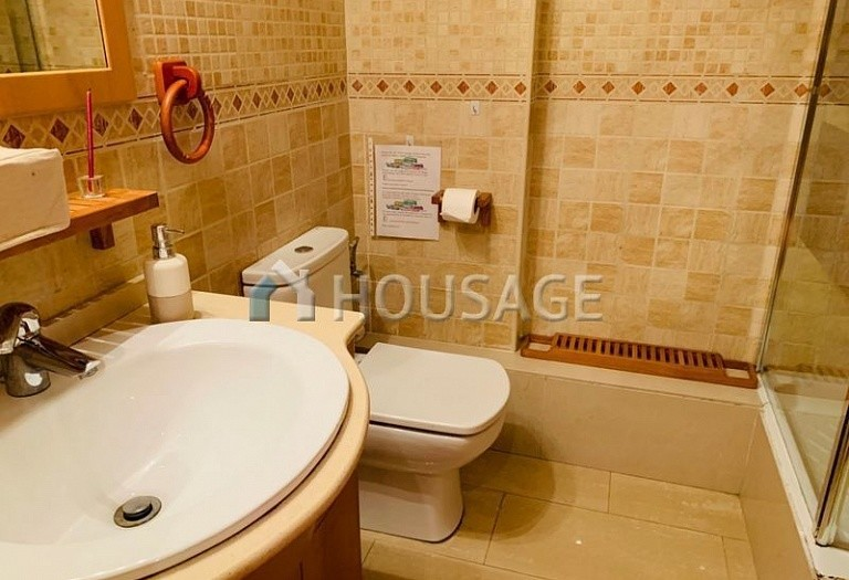 3 bed flat for sale in Eixample, Barcelona, Spain, 100 m² - photo 18