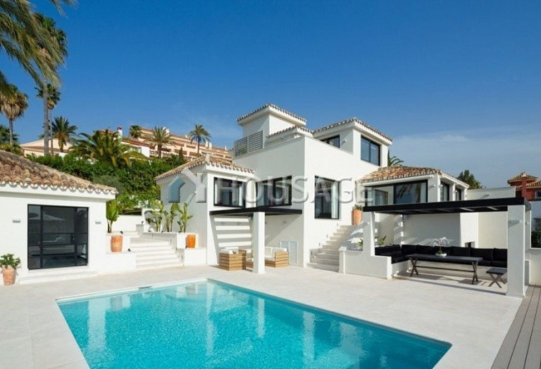 Villa for sale in Nueva Andalucia, Marbella, Spain, 263 m² - photo 13