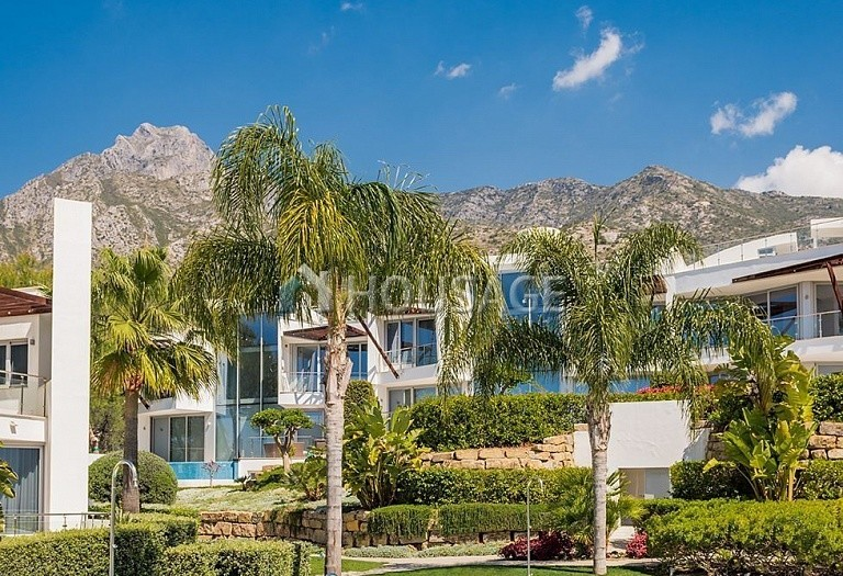 3 bed villa for sale in Marbella, Spain, 474 m² - photo 3