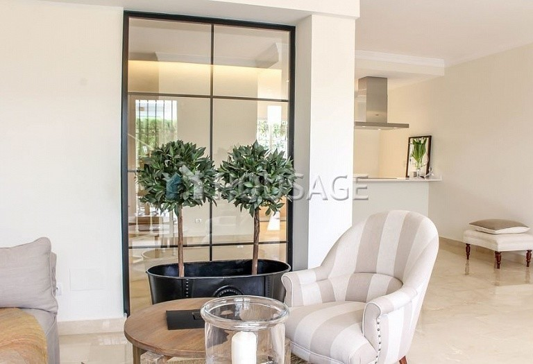 Townhouse for sale in Nueva Andalucia, Marbella, Spain, 263 m² - photo 5