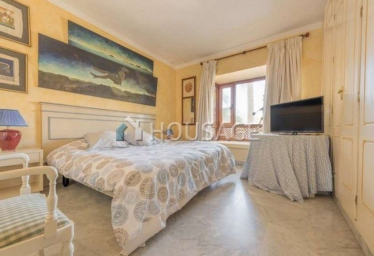 Flat for sale in Marbella Golden Mile, Marbella, Spain, 215 m² - photo 10