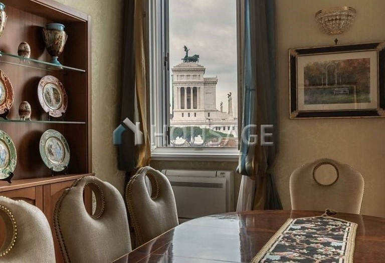 3 bed flat for sale in Rome, Italy, 200 m² - photo 5