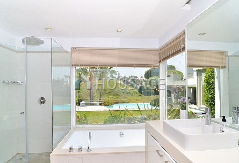 Villa for sale in Nueva Andalucia, Marbella, Spain, 401 m² - photo 16