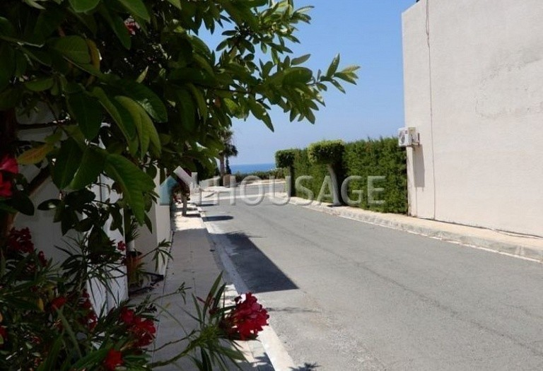 Commercial property for sale in Coral Bay, Pafos, Cyprus - photo 3