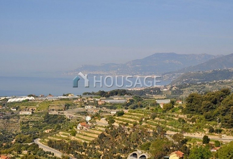 3 bed villa for sale in Bordighera, Italy, 170 m² - photo 1